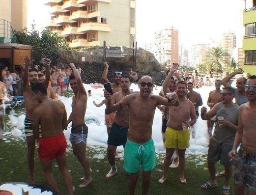 Открытый бассейн Apartamentos Benidorm Celebrations™ Pool Party Resort (Adults Only)