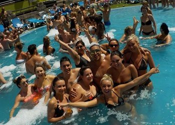 Pool Party апартаменты Benidorm Celebrations™ Pool Party Resort (Adults Only)
