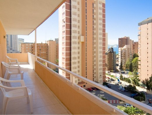 Квартира Apartamentos Benidorm Celebrations™ Pool Party Resort (Adults Only)